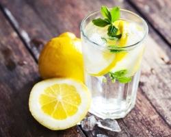 ТОП-7 причин пить воду с лимоном