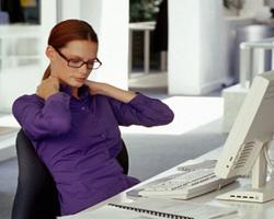 Какие упражнения нужно выполнять при сидячей работе?