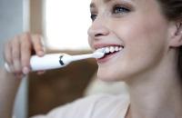 Голливудская улыбка: 5 причин задуматься о покупке электрической зубной щётки уже сейчас